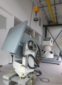 iIPSC-MSG: Pedestal for Navy Applications with RF Antenna (in the background of iMAR's tracker assembly area: azimuth/elevation gimbal for 1.8 tons antenna payload)